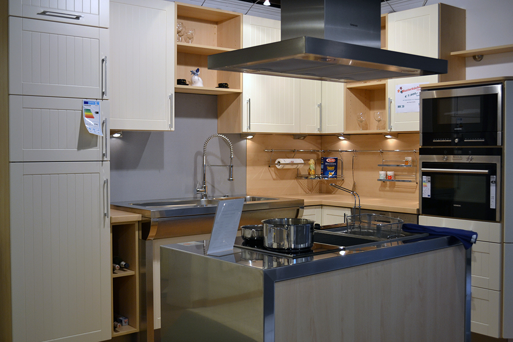 uka kuechen kuechenplanung bild12 uka k chen. Black Bedroom Furniture Sets. Home Design Ideas
